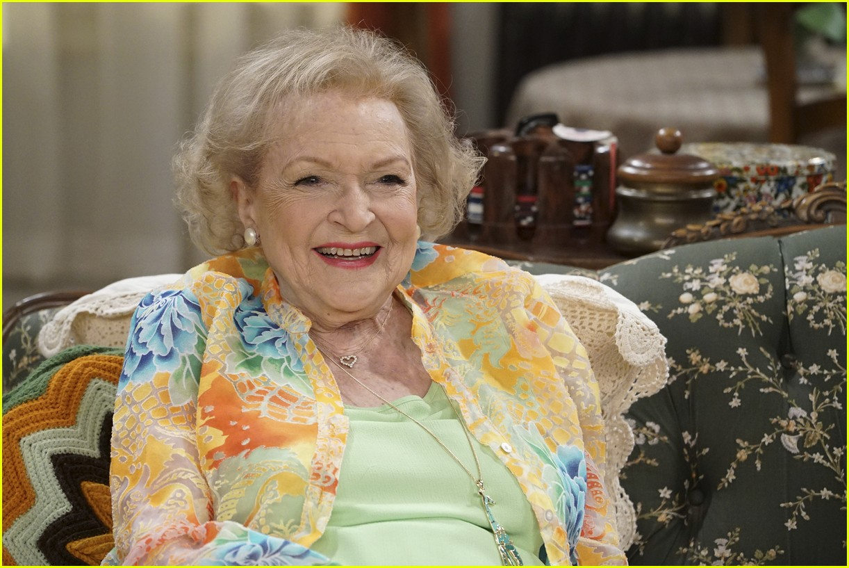 Leaked Betty White nude (63 photos), Sexy, Is a cute, Boobs, braless 2019