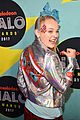 jojo siwa is all about the sequins at the nickelodeon halo awards 2017 04