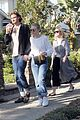 dakota fanning grabs lunch with sister elle boyfriend henry frye 01