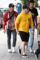 nick jonas meets up with brother joe in australia 26