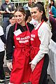 amelia delilah hamlin volunteer to dish out holiday meals 03