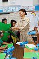 zendaya helps donate school supplies to 450 oakland students 20