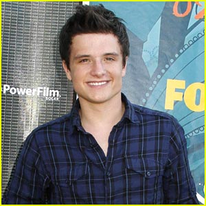Josh Hutcherson: Werewolves Would Win Over Vampires