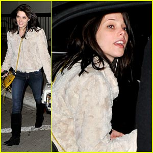 Ashley Greene: Dakota Fanning is Amazing!