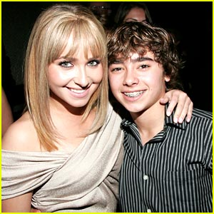 Hayden &#038; Jansen Panettiere: Beso Buddies