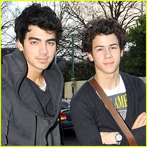 Joe & Nick Jonas are Dublin Dudes