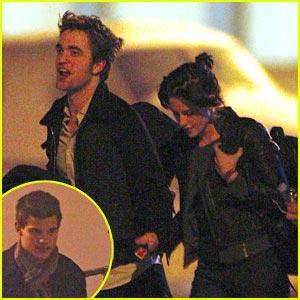 Kristen Stewart & Robert Pattinson Land in London