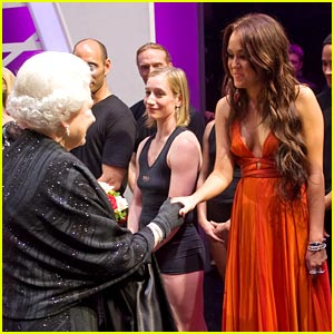 Miley Cyrus Meets The Queen of England