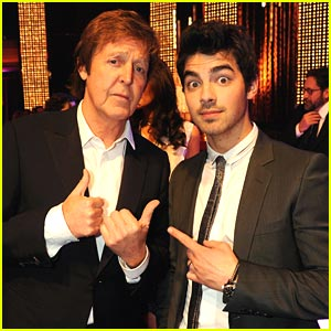 Joe Jonas Spots Paul McCartney!