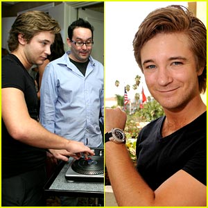 Michael Welch has a Lost Dream