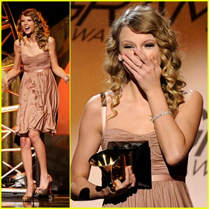 Taylor Swift: White Horse Grammy Winner!