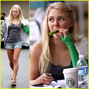 AnnaSophia Robb is Celery Sweet