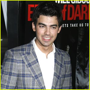 Joe Jonas Craves Brownies for Valentine's Day