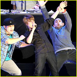 Justin Bieber Performs at Pepsi Fan Jam