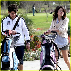 Selena Gomez & Nick Jonas Go Golfing