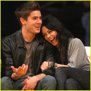 Zac Efron &#038; Vanessa Hudgens Love Their Lakers