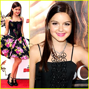 Ariel Winter is Peace Pretty