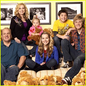 Good Luck Charlie Premieres April 4!