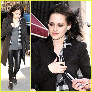 Kristen Stewart Confirms Breaking Dawn Director Options