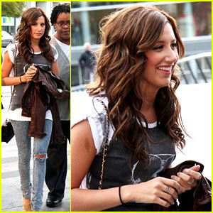 Ashley Tisdale Checks Out Cheer Competition