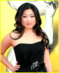 Jenna Ushkowitz is the Girl 2 Watch