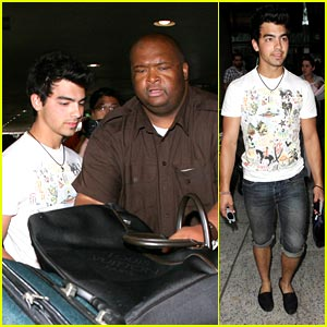 Joe Jonas: Back From Cabo with Cut Offs