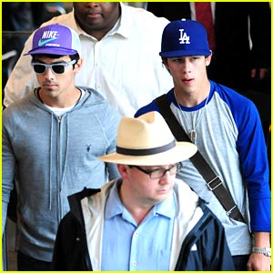Nick & Joe Jonas are the Blues Brothers