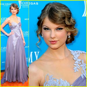 Taylor Swift is ACM Amazing