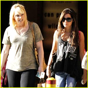 Ashley & Jennifer Tisdale: Westfield Women