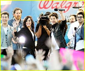 Demi Lovato & Jonas Brothers: Good Morning America!