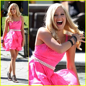 Ashley Tisdale is a Giggly Girl