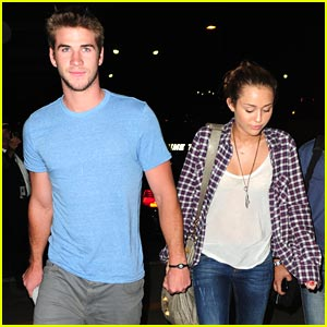 Miley Cyrus & Liam Hemsworth: LAX Lovers