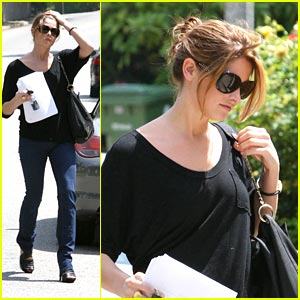 Ashley Greene Recieves PETA Award
