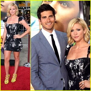 Brittany Snow: Neon Yellow Heels!