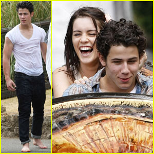 Nick Jonas & Lucie Jones: Wet 'n' Wild!