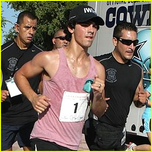 Joe Jonas to Host Another iWin Fun Run