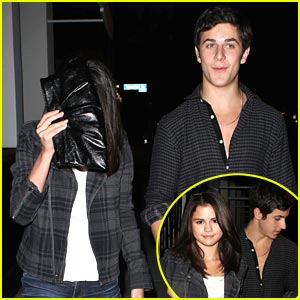 selena gomez and david henrie dating 2012