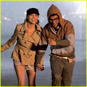 Chelsea Staub & Joe Jonas: Rain Runners