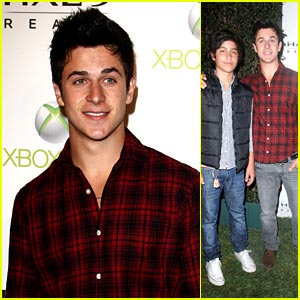David Henrie: Halo Launch with Lorenzo!
