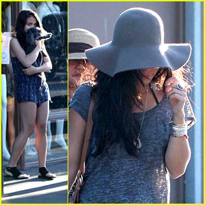 Vanessa & Stella Hudgens: Planet Blue Beauties