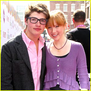 Gregg Sulkin & Molly Quinn: Power of Youth Pair
