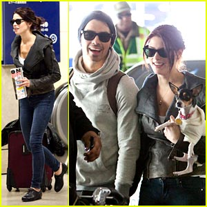 Ashley Greene & Joe Jonas: Laughing at LAX
