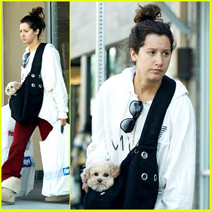 Ashley Tisdale & Maui: Pier 1 Pals