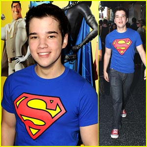 Nathan Kress Mistaken for Justin Bieber
