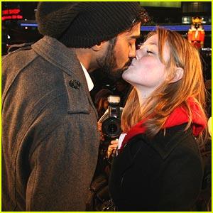 Charlotte Arnold & Raymond Ablack Share a 'Big Kiss'