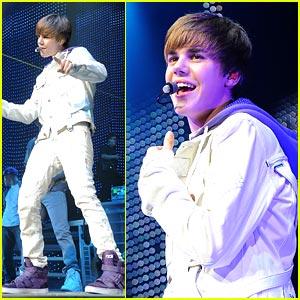 Justin Bieber Makes Miami Music