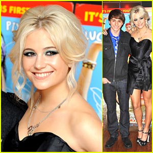 Pixie Lott: 'Fred' London Premiere!
