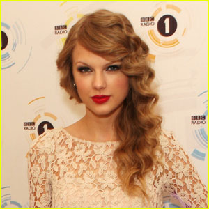Taylor Swift Wants a 'Winter-Themed Birthday'