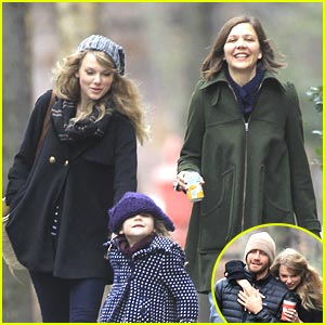 Taylor Swift & Maggie Gyllenhaal: Thanksgiving Walk & Talk