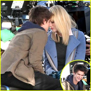 Emma Stone & Andrew Garfield: Spider-Man Smooches!